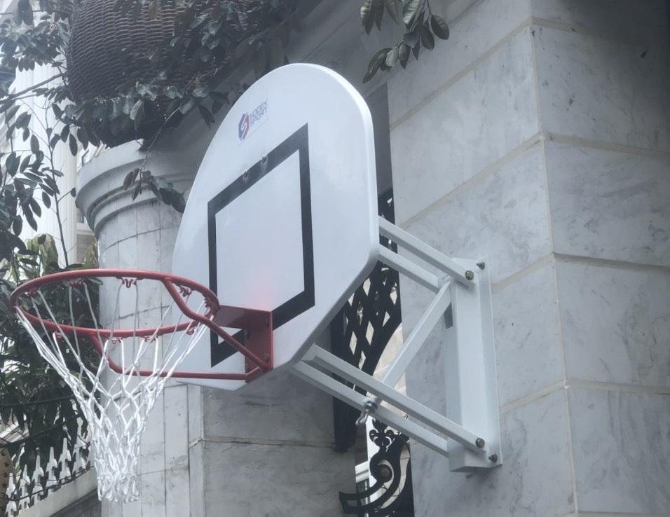 Bảng bóng treo ở tường