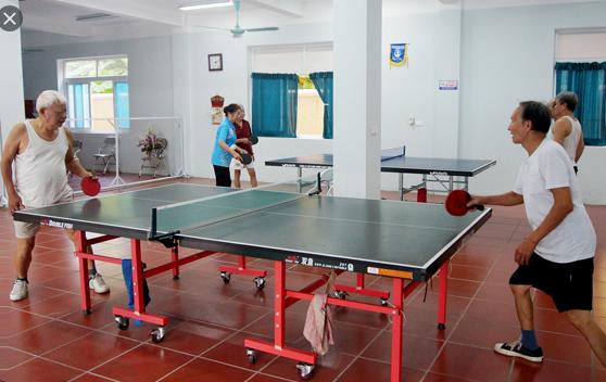 Chơi bóng bàn giúp giảm thiểu chấn thương do tuổi tác