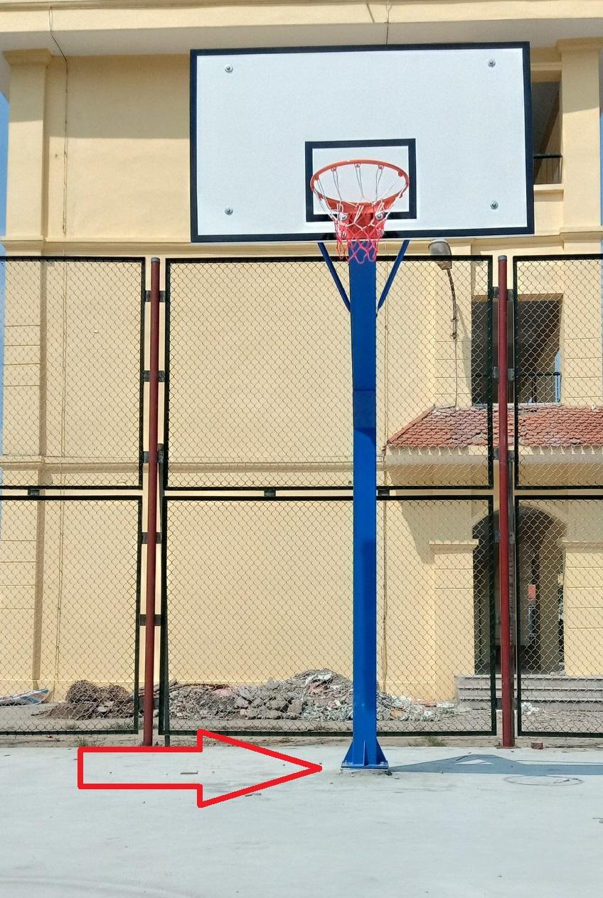 Trụ bóng rổ cố định xuống nền sân