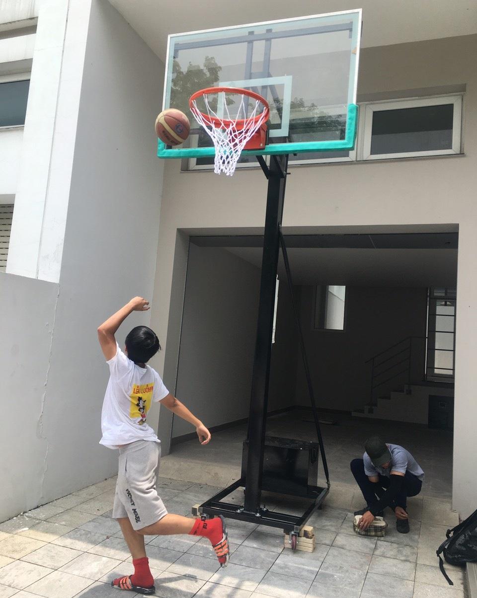 Trụ bóng rổ tại nhà