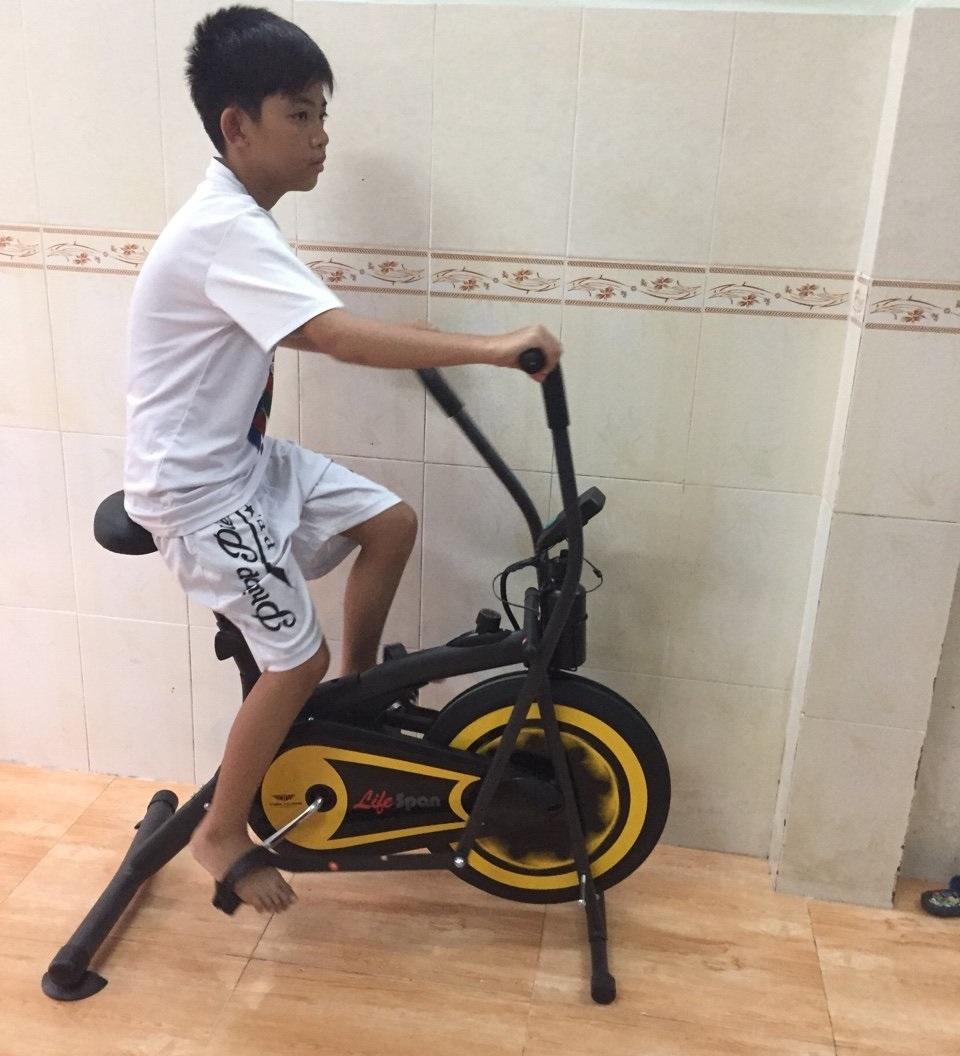 Xe đạp tập thể dục cả nhà đều dùng được