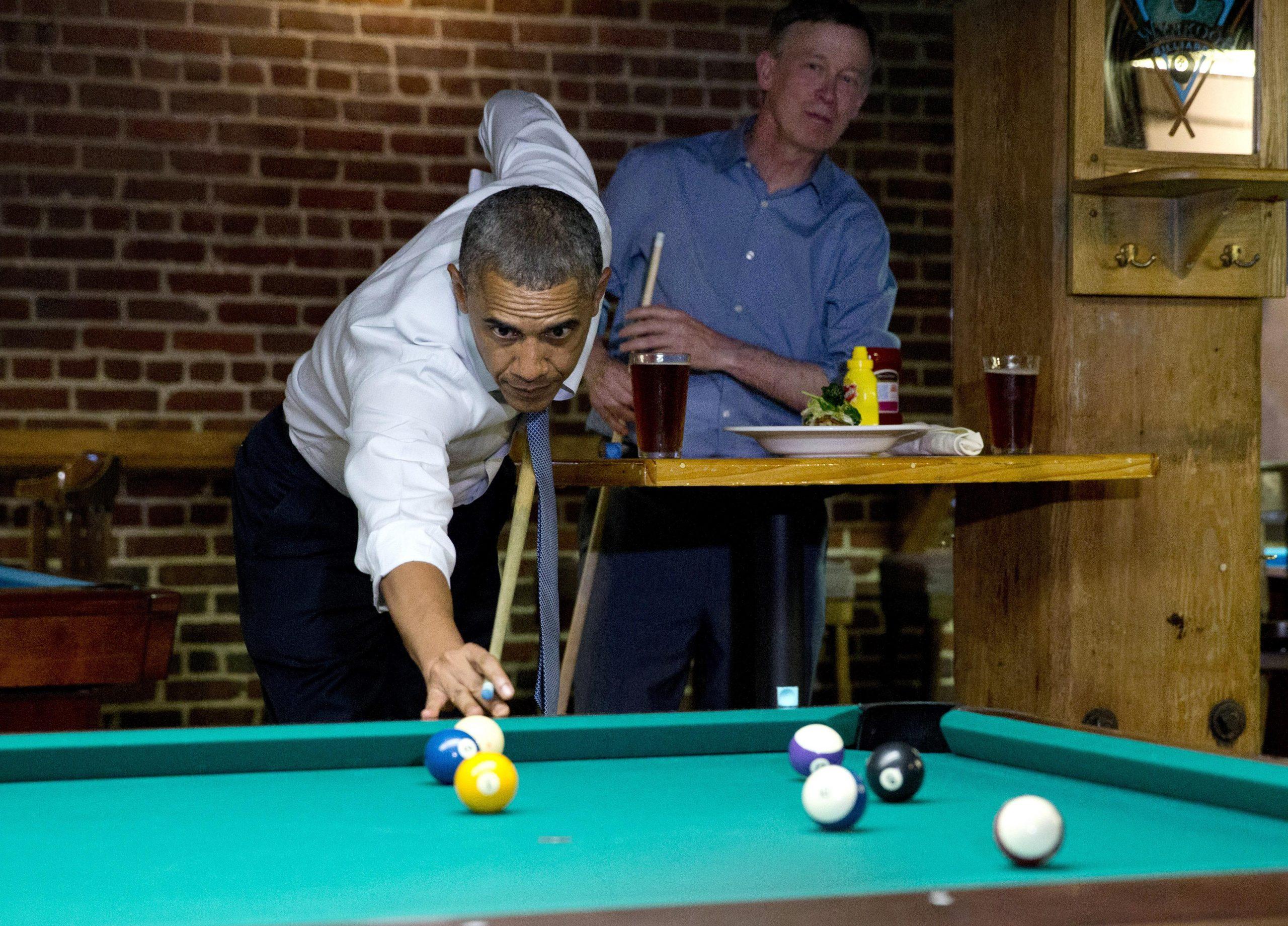 Tổng thống Mỹ - Barack Obama đánh bida
