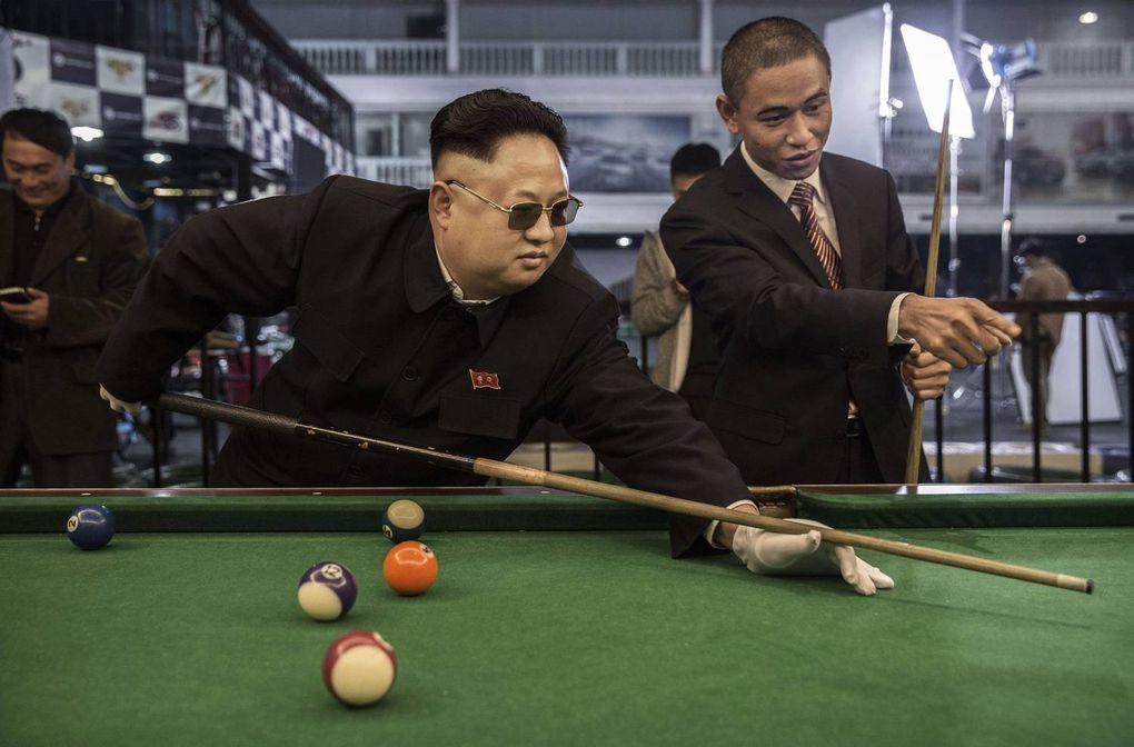 Chủ tịch nước Triều Tiên - Kim Jong Un đánh bida