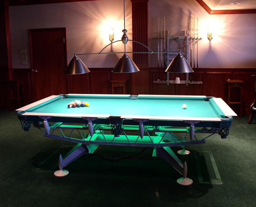 Bàn Martin Bauer pool table với thiết kế khung chân độc đáo
