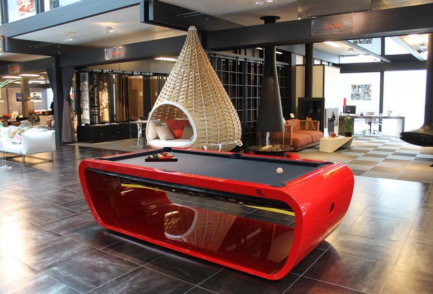 """Bàn bi a """"Blacklight pool table"""""""