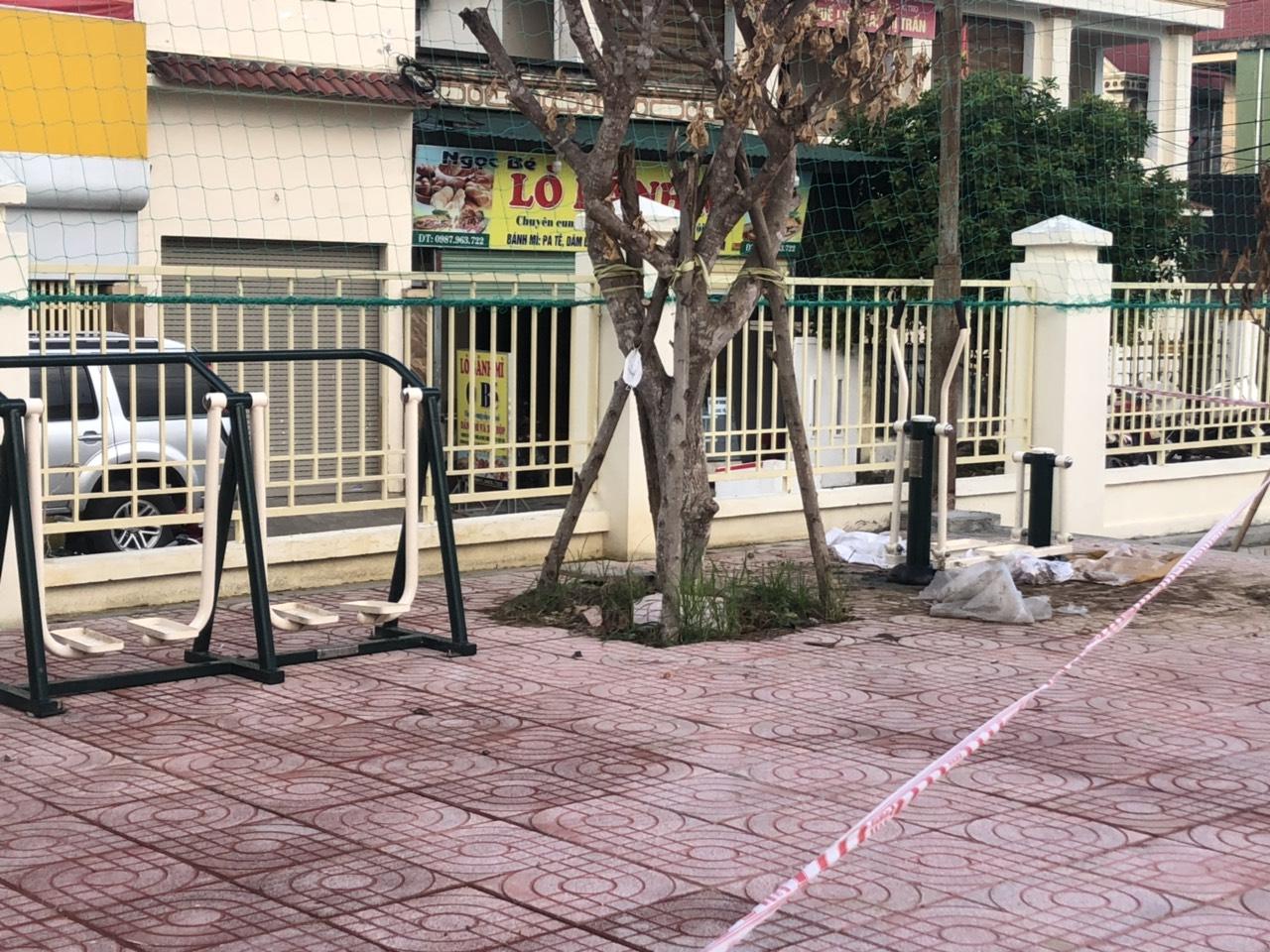 Dụng cụ thể thao ngoài trời được lắp đặt tại công viên, khu dân cư