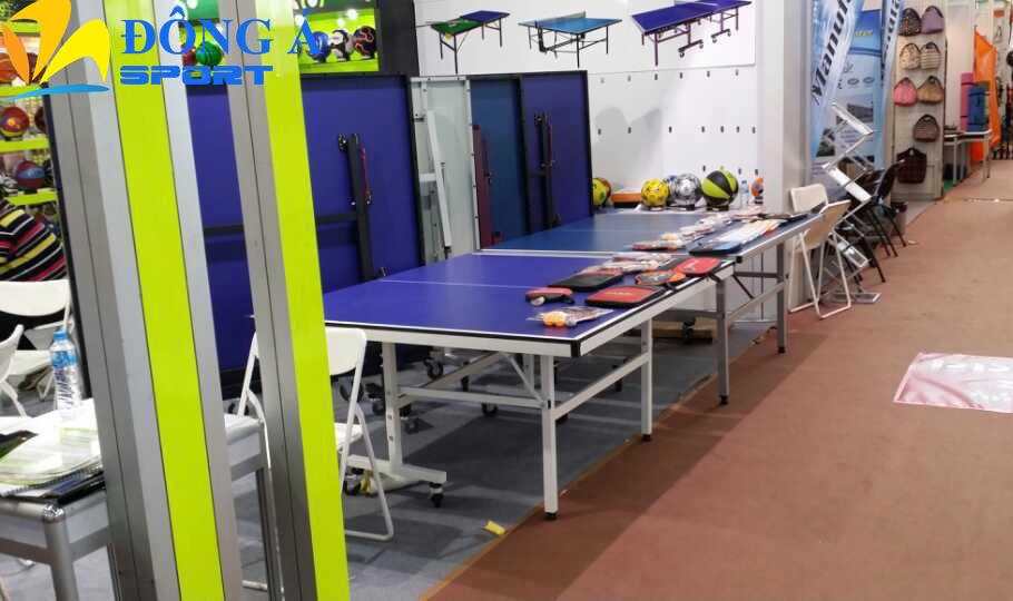 Không gian trưng bày bàn bóng bàn tại Đông Á Sport