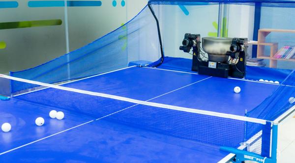 Máy bắn bóng bàn có các tần số bắn bóng khác nhau