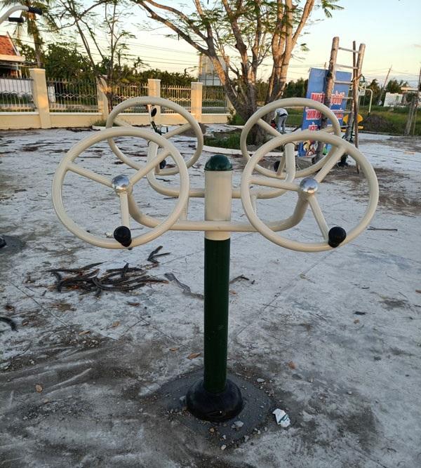 Thiết bị tập tay vai NT-618 tại công viên