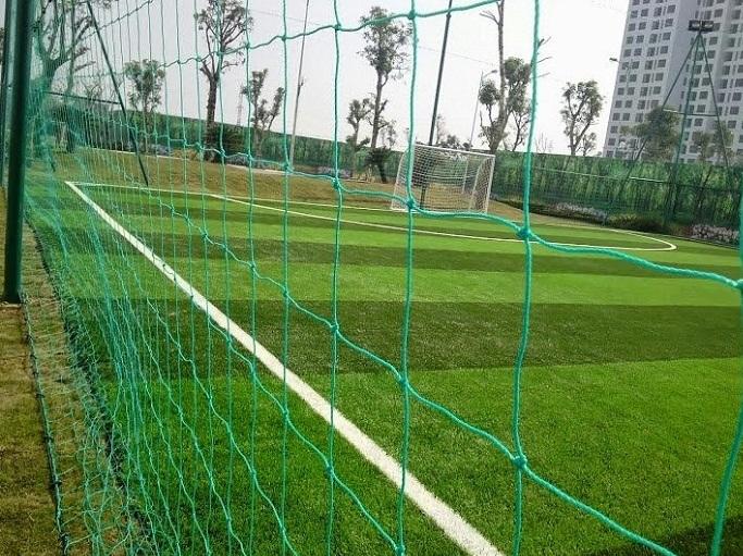 Lưới quây sân bóng
